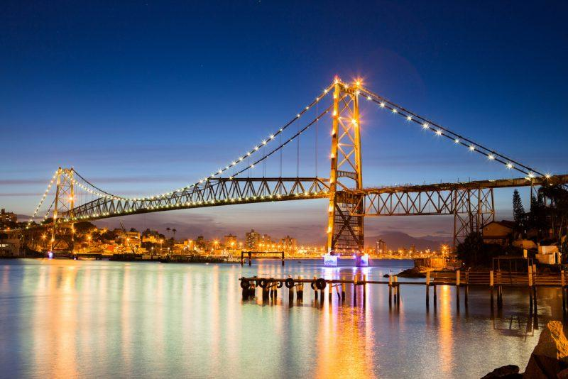 Ponte Hercilio Luz, Florianopolis, Santa Catarina, Brasil - Por flavioveloso14